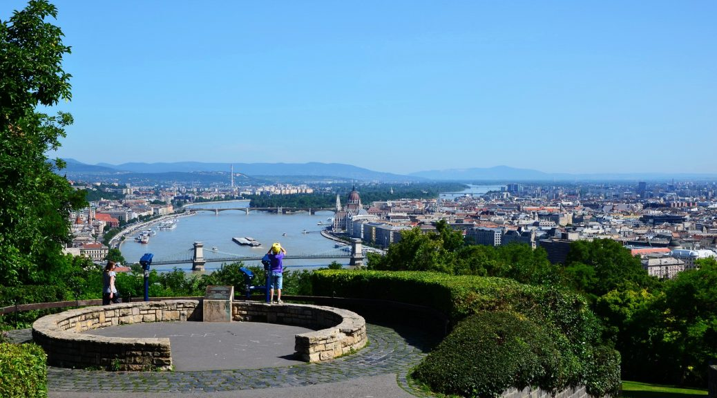 Budapest sightseeing with tour guide
